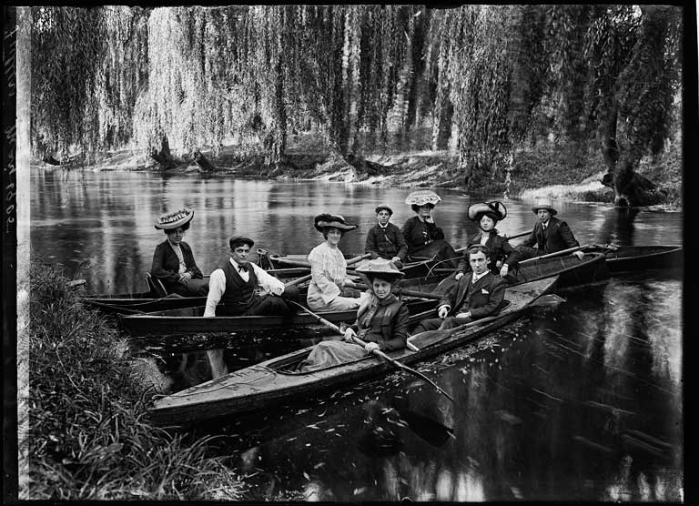 Black and white glass plate image of a group in canoes on Avon River.