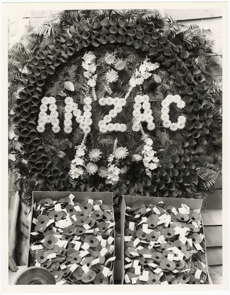 Anzac wreath and poppies