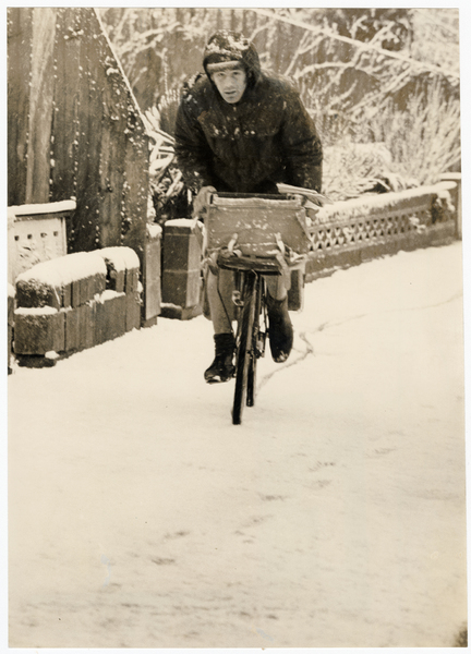Postal delivery in the snow