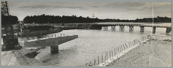 Construction of the new South Brighton bridge