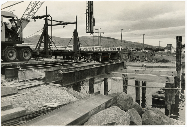 Construction of the new Ferrymead Bridge
