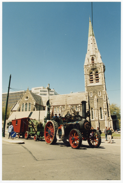 Traction engine outside ChristChurch Cathedral