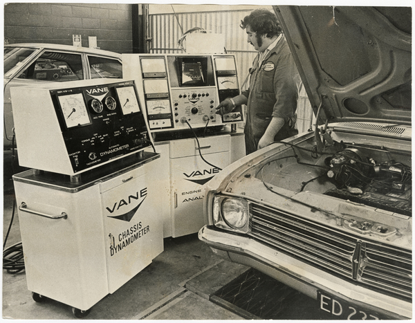 Electronic engine analyser at Blackwell Motors