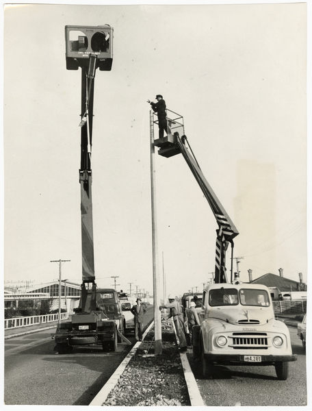 Installation of lamps on Blenheim Road