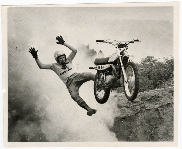Dennis Rees blasting off his Suzuki