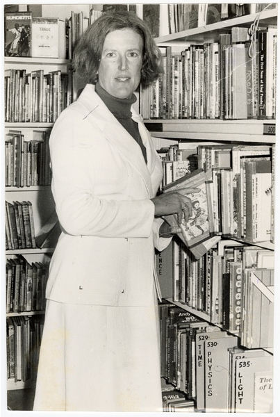 Margaret Mahy in a library