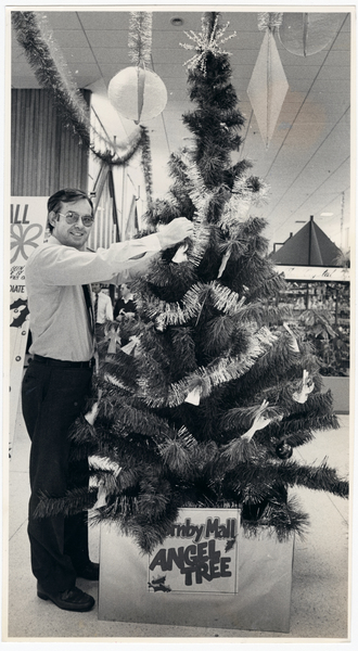 Hornby Mall manager and Christmas tree