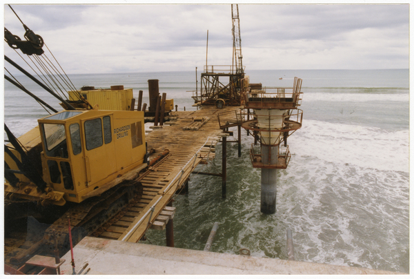Construction of the New Brighton Pier