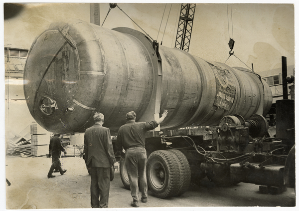 Brewing tank delivery, New Zealand Breweries Ltd