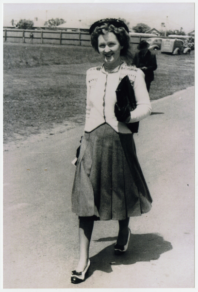 Lyn Annand going to the races