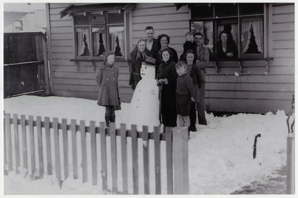 Neighbours in Melrose Street during the 1945 Snowstorm