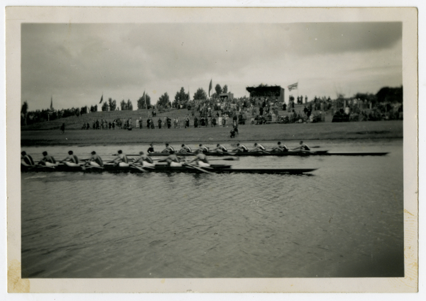 Rowing Eights at Kerrs Reach