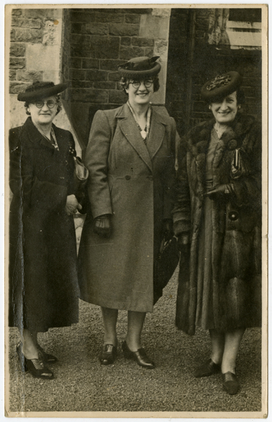 Three Hahn sisters outside Christchurch Cathedral.