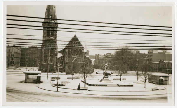 Snow in town, Cathedral