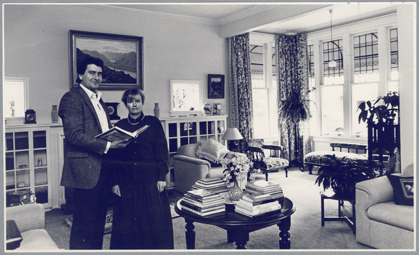 Brent and Joy Savage in the drawing room of Mansfield Gardens