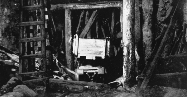 Inside the tunnel showing the scene of the second fall