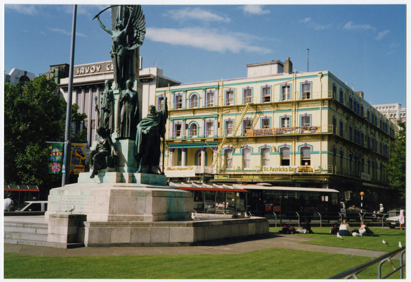 Warners Hotel, 50 Cathedral Square and the Citizens' War Memorial  in 1993
