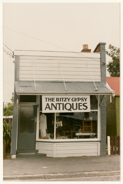 The Ritzy Gypsy Antiques on Colombo Street