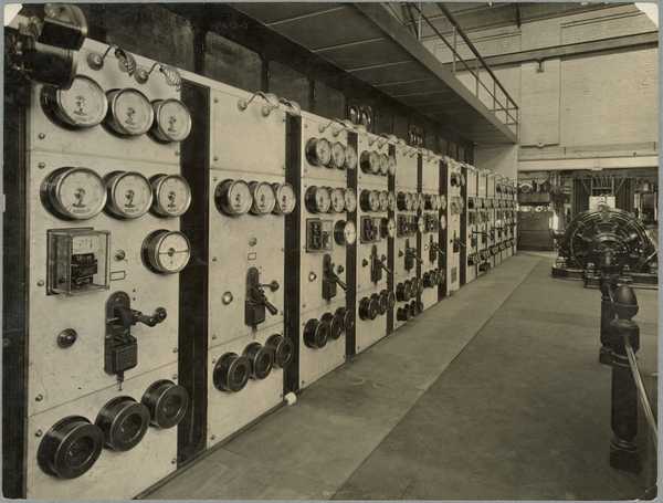 Alternating current switchboard