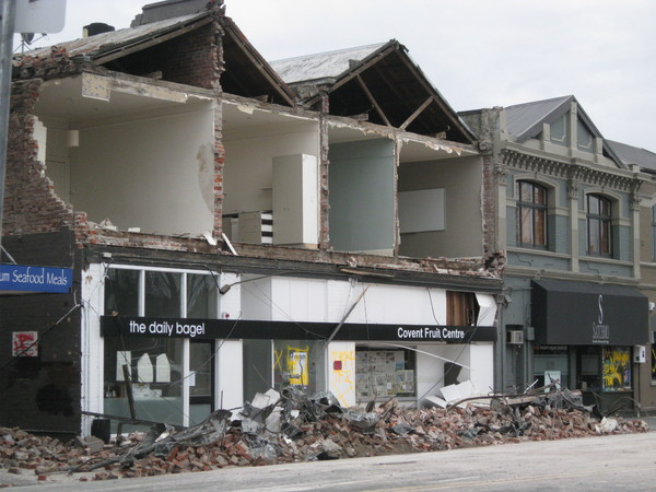 Collapsed facade on Victoria Street
