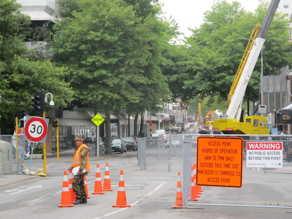 Chaos on the corner of Gloucester St & Oxford Tce December 2011