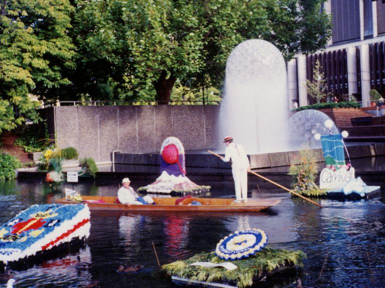 Image of floral festival in Avon River