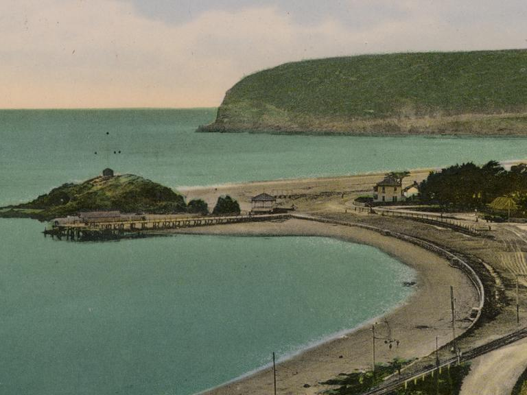 Image of a coloured postcard showing Sumner