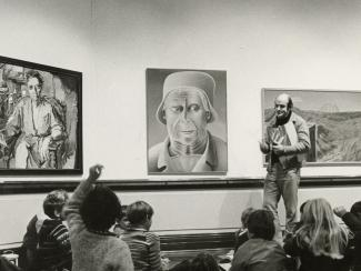 Image of class at art gallery